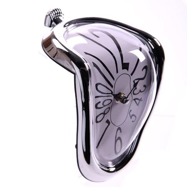 Side 1 of melting clock